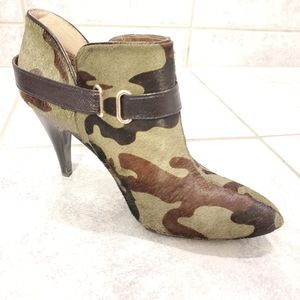 Nine West camo boots size 6.5 leather
